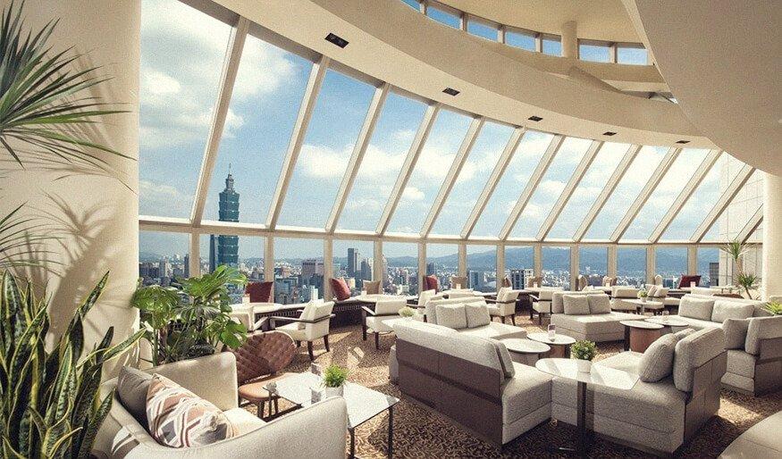 馬可波羅酒廊居高臨下,可清楚觀賞台北 101 大樓的美景。
